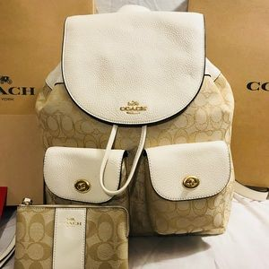 NWT Coach Signature Leather Backpack w/ Wristlet